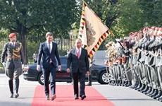 Cérémonie d'accueil officielle du Premier ministre Nguyên Xuân Phuc en Autriche