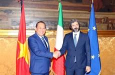 Le vice-PM Truong Hoa Binh rencontre le président de la Chambre des députés d'Italie