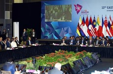 Le PM assiste à la séance plénière du 13e Sommet d'Asie de l'Est