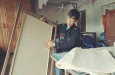 De la pâte au papier, dans les secrets de l'artisanat des Cao Lan