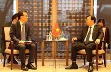 Le vice-Premier ministre Trinh Dinh Dung multiple ses rencontres à Séoul
