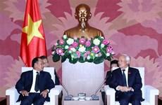 Le vice-président de l'AN Uong Chu Luu reçoit le ministre laotien de la Justice