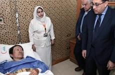 Le PM égyptien rend visite aux survivants d'une attaque contre un bus de touristes vietnamiens