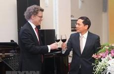 Cérémonie du 50e anniversaire de l'établissement des relations diplomatiques Vietnam-Suède