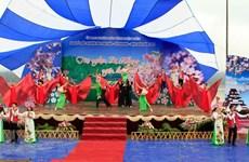 Deuxième festival des fleurs de cerisier à Pa Khoang