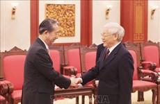 Le SG du Parti et président Nguyen Phu Trong reçoit l'ambassadeur chinois