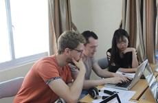 Échange sur les dispositifs des formations en communication à Hanoï