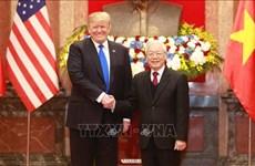 Le dirigeant vietnamien Nguyen Phu Trong s'entretient avec le président américain Donald Trump