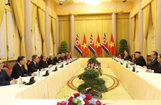 Le secrétaire général et président vietnamien s'entretient avec le président nord-coréen