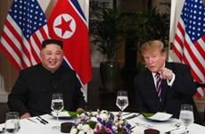 """Le président américain affirme """"de bonnes relations"""" avec le leader nord-coréen"""