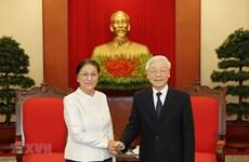 Le leader du PCV Nguyen Phu Trong reçoit la présidente de l'AN du Laos