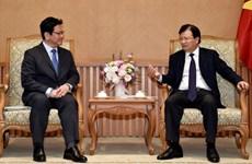 Le vice-PM Trinh Dinh Dung reçoit un dirigeant du japonais JBIC