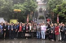 Échange sous le signe de l'amité et des valeurs culturelles de Hanoi