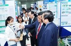 Renforcer les activités de recherche scientifique dans les écoles