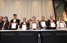 Thaïlande: Pheu Thai annonce une coalition avec 6 partis