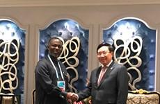 Le Vietnam intensifie la coopération avec le Libéria et Djibouti