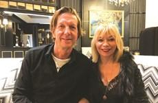 Le couple français Illac affûte son menu et croise les doigts