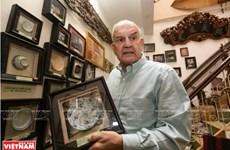 Mark Rapport, collectionneur d'objets des ethnies minoritaires et fier de l'être