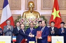 Le Vietnam et la France coopèrent dans la construction de l'e-gouvernement