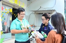Environnement : Vo Trong Dinh avec un projet pour l'environnement Ecobricks