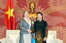La présidente de l'AN reçoit la représentante en chef de l'UNICEF au Vietnam