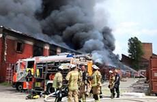 Un incendie endommage le Centre commercial Dông Xuân à Berlin