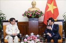 Le vice-PM et ministre des AE Pham Binh Minh reçoit un responsable japonais
