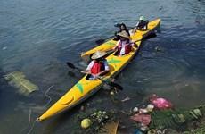 Les touristes jouent les nettoyeurs à Hôi An