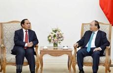 Le PM Nguyên Xuân Phuc reçoit le vice-PM laotien Bouthong Chithmany