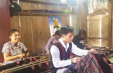 Le brocart des Pa Cô - Vân Kiêu renaît de ses cendres