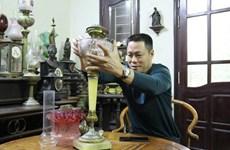 À la rencontre des collectionneurs de lampes à huile