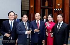 Le PM Nguyên Xuân Phuc organise une réception en l'honneur de la Fête nationale