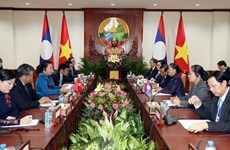 Les plus hautes législatrices vietnamienne et lao s'entretiennent à Vientiane