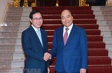 Le PM s'engage à soutenir Samsung Vietnam