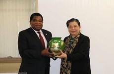 Le Vietnam plaide pour des liens accrus avec l'UIP et le Myanmar
