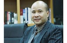 La France décore Ngô Tu Lâp et Trinh Van Minh, deux universitaires vietnamiens