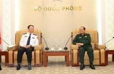 Des officiels chinois de l'immigration reçus à Hanoi