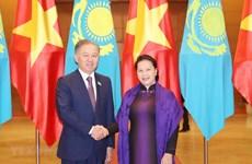 Le Vietnam et le Kazakhstan plaident pour des liens accrus