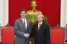 Un haut responsable du PCV accueille le secrétaire américain à la Défense