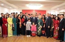 Le PM se rend à l'ambassade du Vietnam en R. de Corée