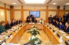 Nguyên Thi Kim Ngân rencontre le président du Conseil d'État du Tatarstan