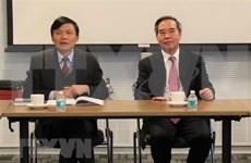 Un responsable du PCV travaille avec la délégation vietnamienne à l'ONU