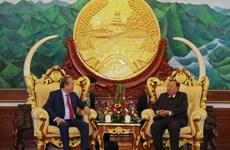 Le vice-PM Truong Hoa Binh rencontre les plus hauts dirigeants lao