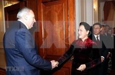 Entrevue entre la présidente de l'AN du Vietnam et  le Premier ministre biélorusse