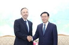 Le gouvernement s'engage à faciliter les activités à long terme de Nike au Vietnam
