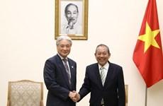 Le vice-Premier ministre Truong Hoa Binh exhorte Tochigi à investir plus