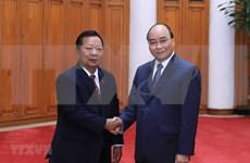 Le PM Nguyên Xuân Phuc reçoit les ministres laotien et cambodgien de la Défense