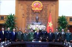 Le PM Nguyen Xuan Phuc reçoit des dirigeants de la défense étrangers