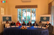 Jean-Pierre Raffarin réunit les «Leaders pour la Paix» à Hanoi