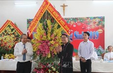 Noël : le vice-PM Truong Hoa Binh félicite les chrétiens du Sud